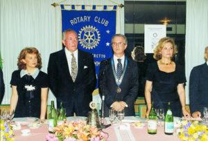1993-94: Scambio delle consegne tra Giovanni de la Ville sur Illon e Franco De Rosa