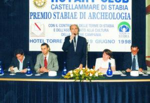 1997-98: Il Presidente Salvatore Iovieno al Premio Stabiae di Archeologia