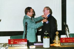 1998-99: Il Governatore Antonio Carosella riceve il collare dal predecessore Pasquale Sansalone