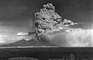 2014-15: Filmati inediti sull'eruzione vesuviana del 1944