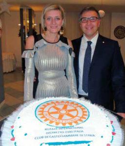 Festa degli Auguri – Raffaele e Edy Aruta con la tradizionale torta