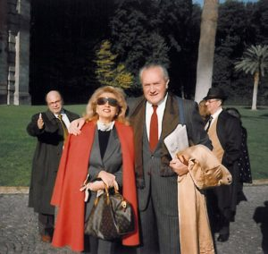 1994-95: Il Presidente De Rosa con Franca Talarico e Antonio Vozza durante la visita a Capodimonte