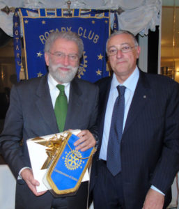 2017-18: Il Presidente con il prof. Matteo Palumbo, che ha rievocato la figura e l'opera di Annibale Ruccello nell'ambito dello Stabia Festival