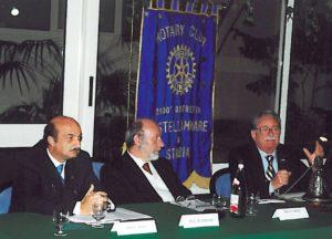 1999-00: Interclub su 'L'informazione rotariana'