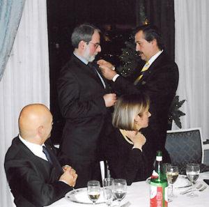 2005-06: Il Presidente Afeltra consegna la P.H.F. ad Antonio Quartuccio