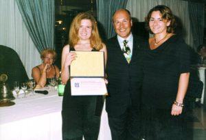 2000-01: Vincenzo Arienzo consegna la P.H.F. al Rotaract Club di Castellammare-Sorrento