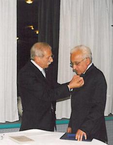 2002-03: Il Presidente De Simone consegna la P.H.F. a Ugo Criscuolo