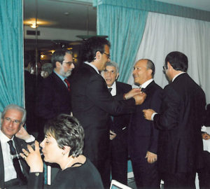 2003-04: Il Presidente Lauro consegna la P.H.F. a Vincenzo Arienzo
