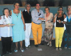 2010-2011: Il Presidente Amelina con le amiche dell'Inner Wheel